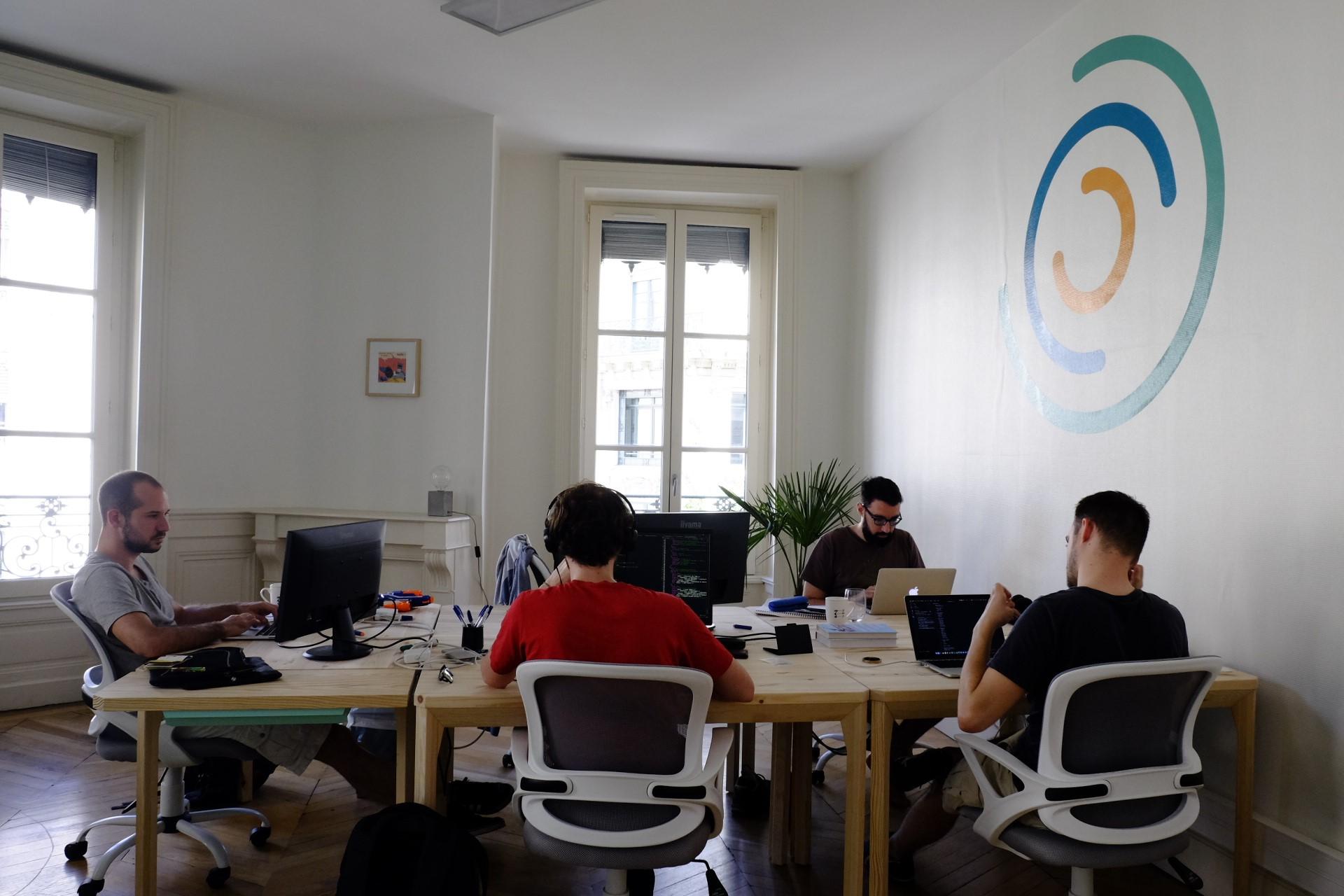 Les développeurs de Unow en plein action